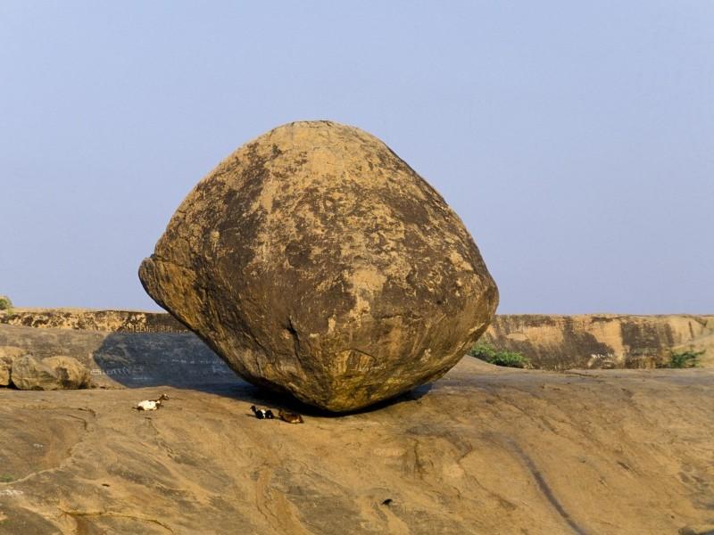 Krishna's butterball, Mahabaplipuram